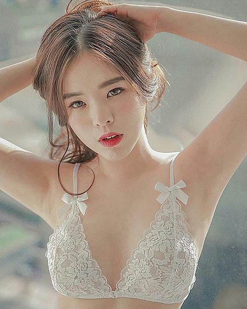 Những thiên thần nội y đình đám nhất Hàn Quốc – mặt xinh, dáng đẹp vòng một khủng