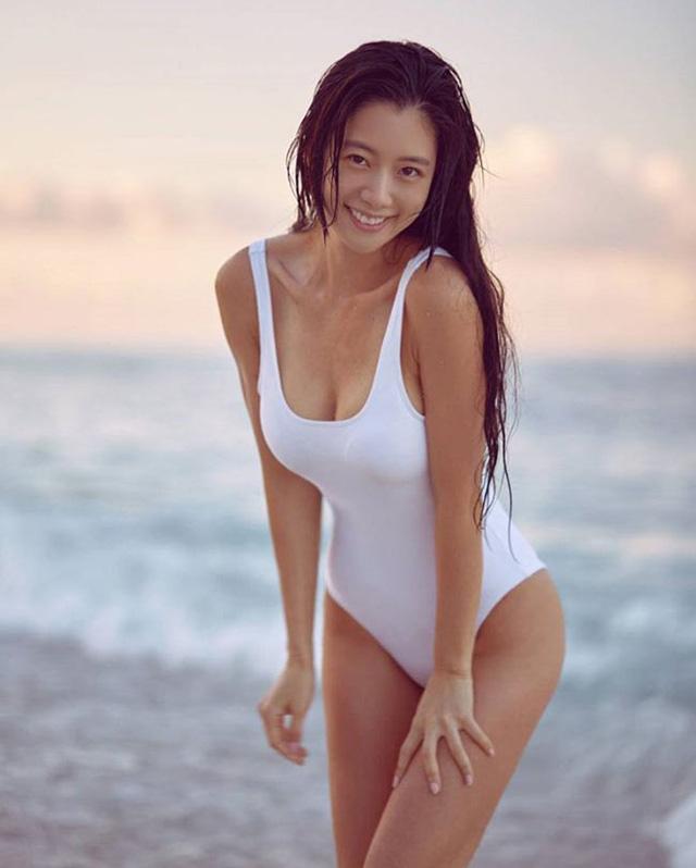 Vẻ quyến rũ của bom sex xứ Hàn, gái xinh gợi cảm tới mức bị ông chủ quấy rối gạ gẫm