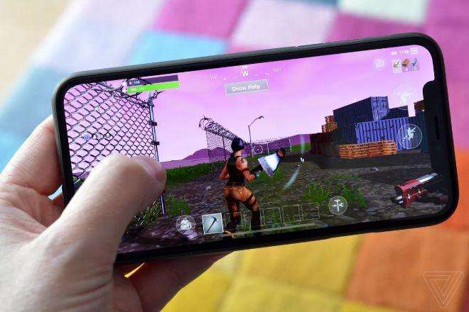 """Các game thủ Fortnite và PUBG Mobile tố iOS 13 đã """"phá game"""""""