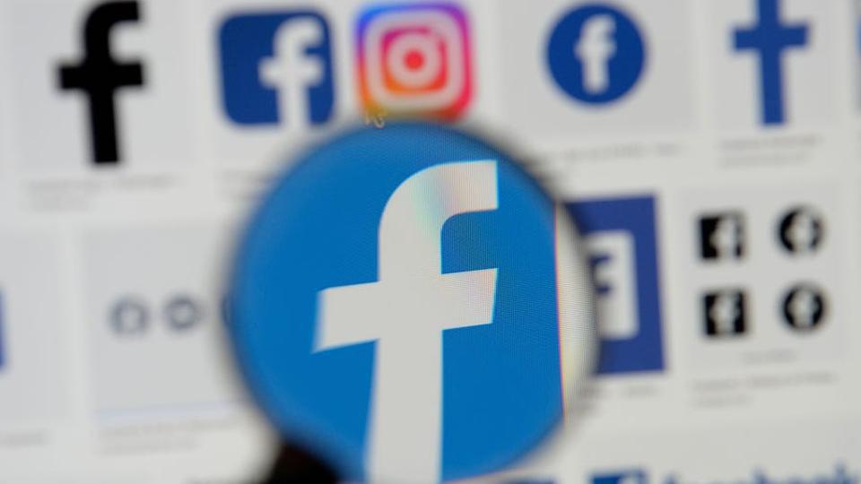 """Facebook từ chối 2,2 triệu """"quảng cáo chặn bỏ phiếu"""" trong cuộc bầu cử tổng thống Mỹ"""