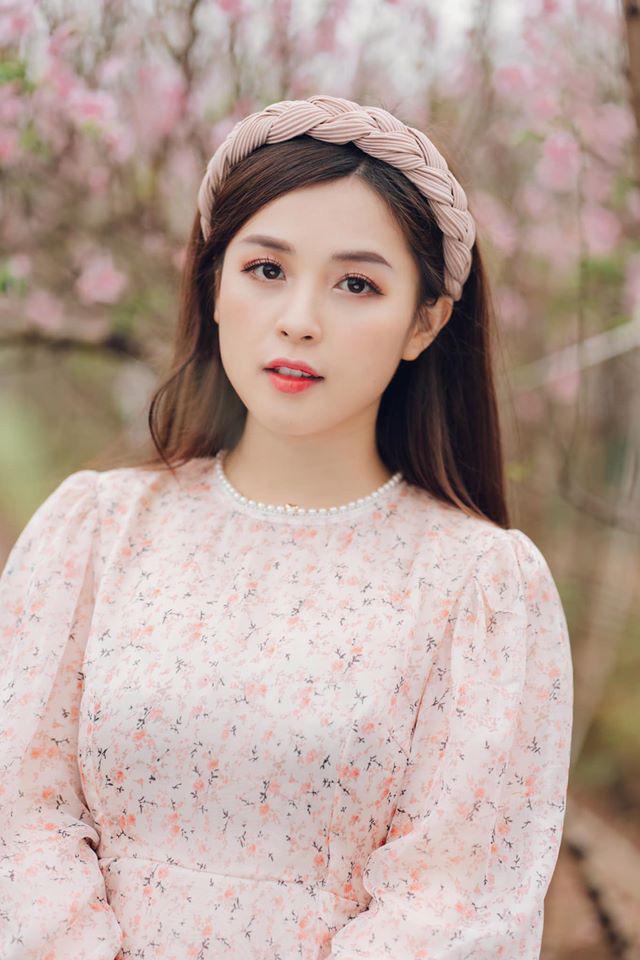 Thảo Nari – hot girl xinh đẹp từng yêu cầu thủ Trọng Đại lên xe hoa