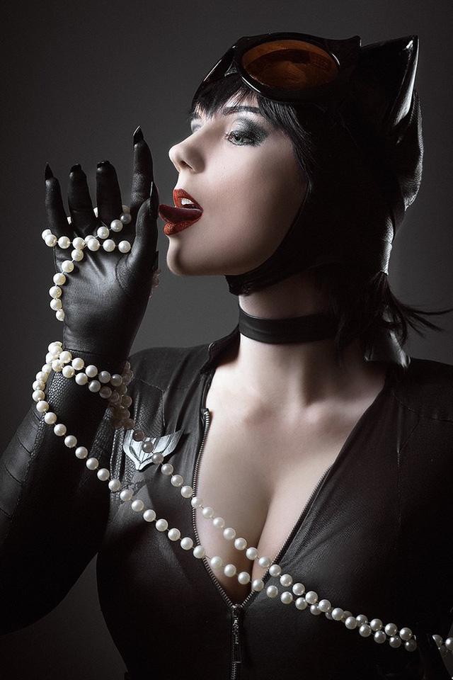 Cùng ngắm cosplay Catwoman cực nóng bỏng và gợi cảm