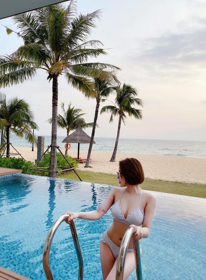 Hot girl Trâm Anh ngày càng xinh đẹp, gợi cảm hậu Nam tiến