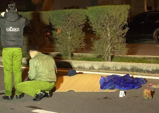 Nam thanh niên bị đâm chết giữa đường phố trong đêm nghi do mâu thuẫn trên Facebook
