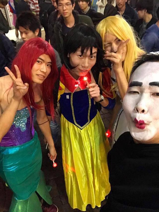Choáng váng với màn cosplay Halloween của người Nhật Bản