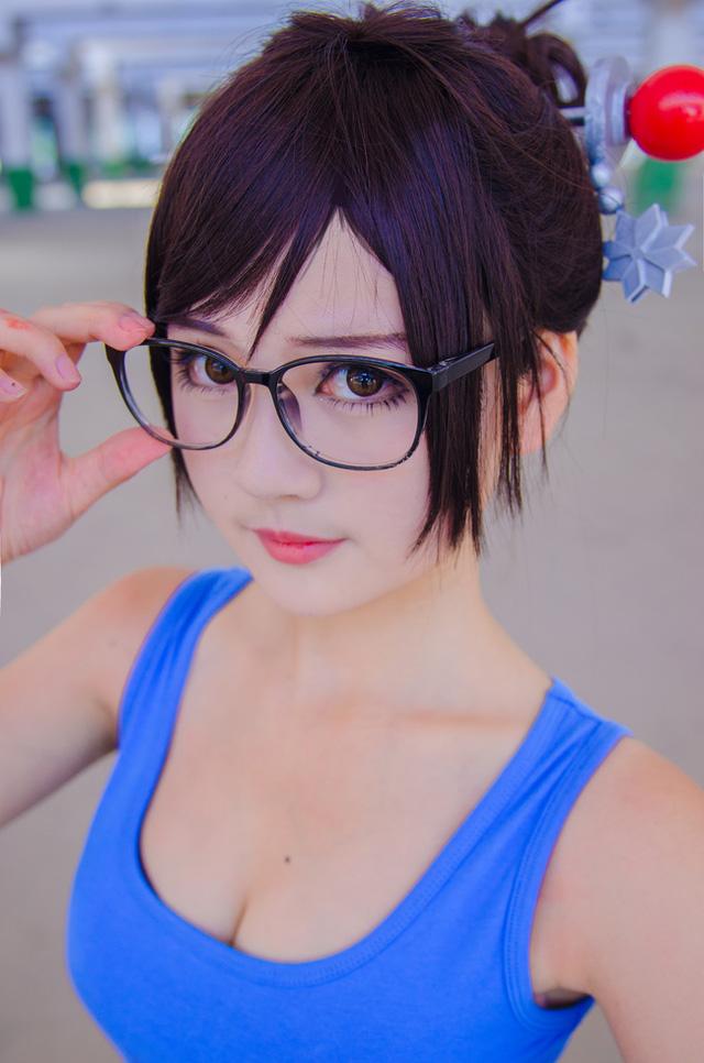 Ngất ngây với cosplay Mei (Overwatch) cực mảnh mai và trẻ trung