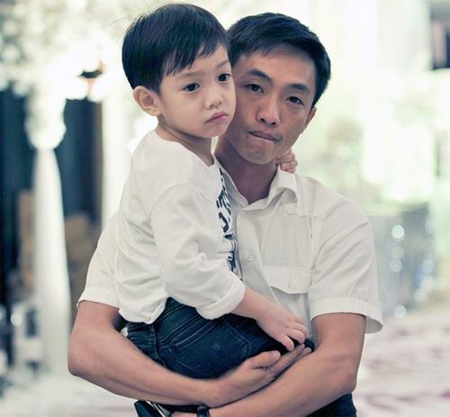 Con trai Hà Hồ trổ tiếng Anh gây sốt cộng đồng mạng