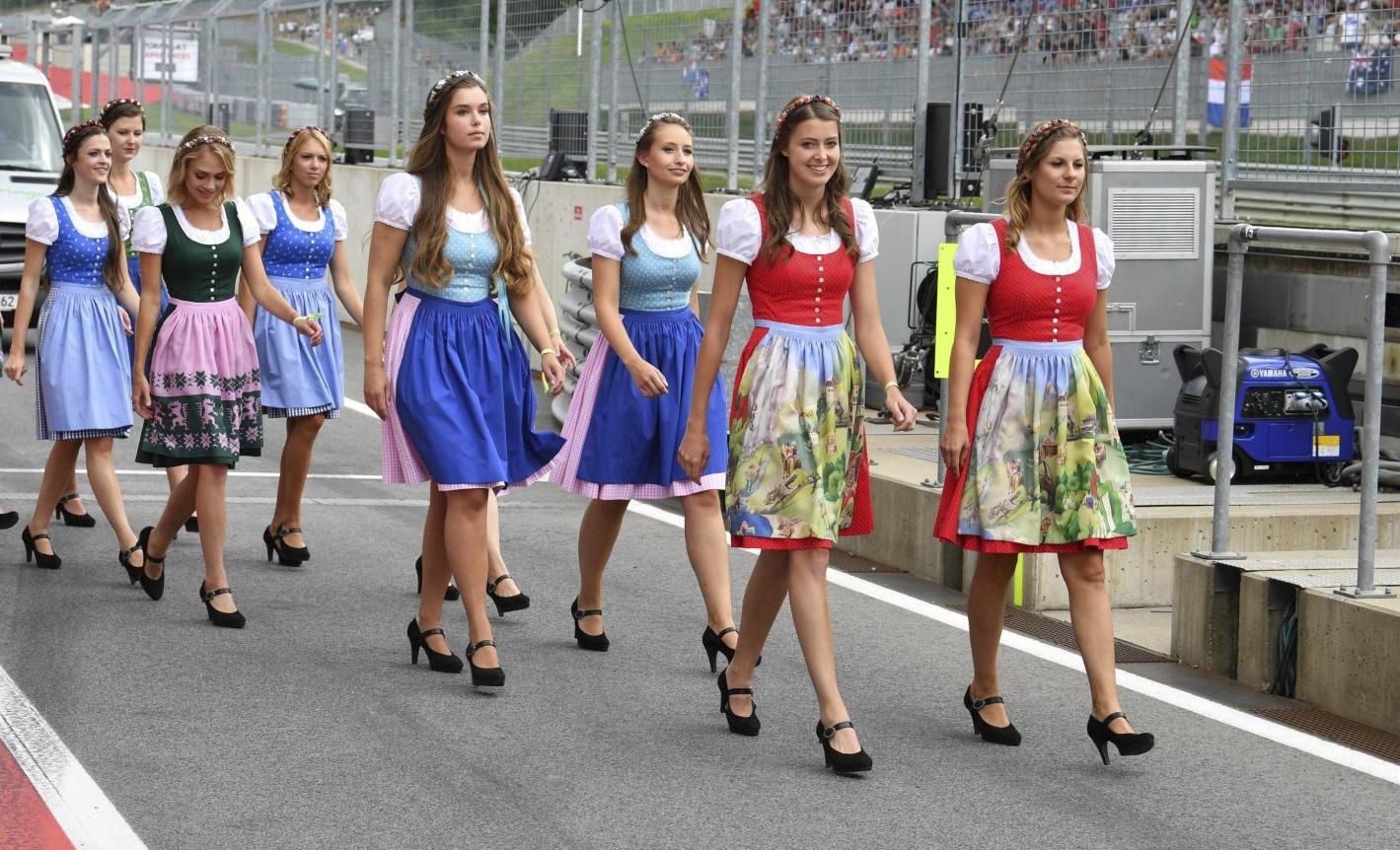 Dàn grid girl hâm nóng trường đua F1 nước Áo