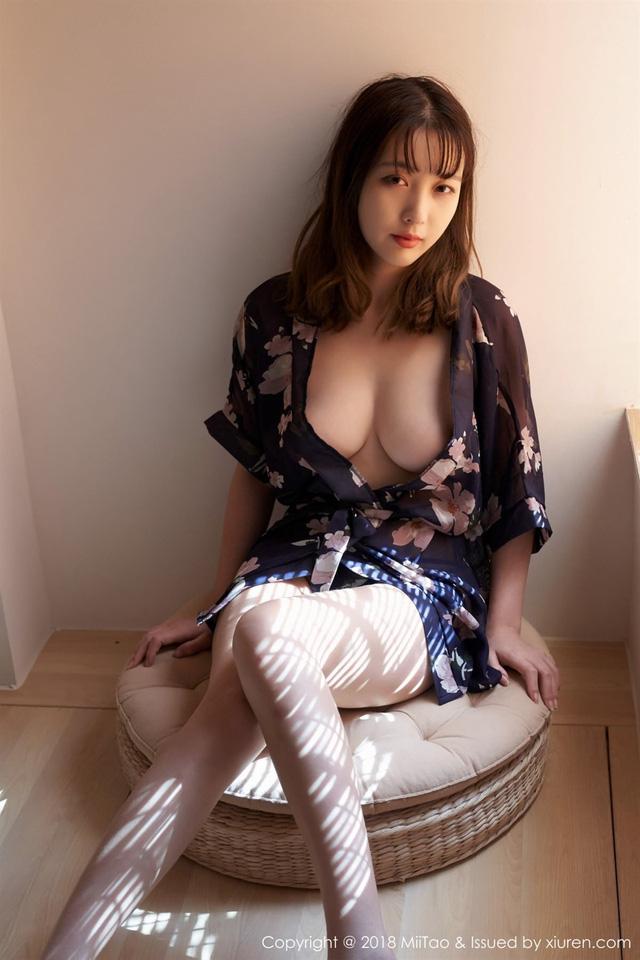 Sưởi ấm ngày gió mùa với cô nàng Mei Xu quyến rũ và gợi cảm
