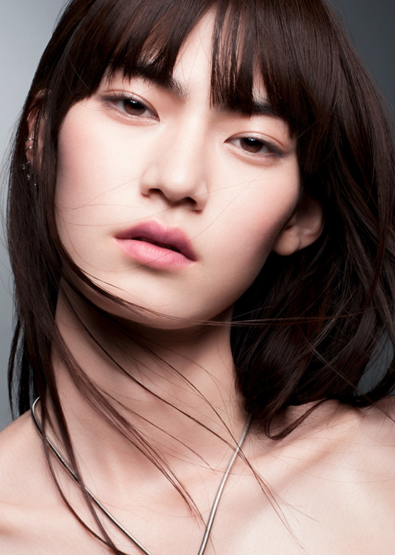 Nữ người mẫu Nhật Bản mang vẻ đẹp góc cạnh