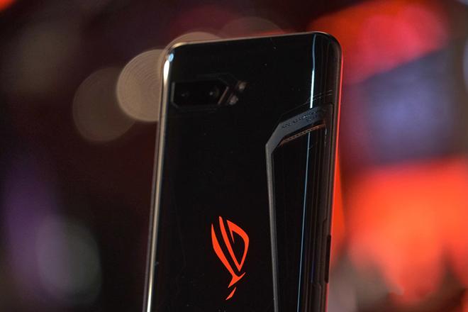 Asus ROG Phone 3 đã lộ diện, chiến game mướt rượt