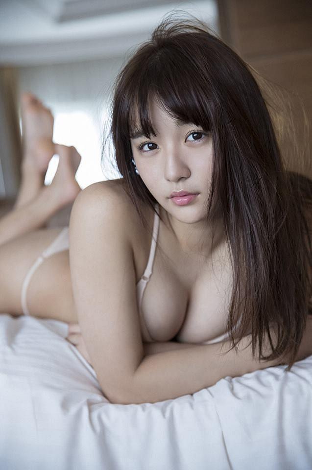 Ngắm nhìn đôi gò bồng đảo căng tràn nhựa sống cup E của thánh nữ Nhật Bản, năm nay mới tròn 20 tuổi