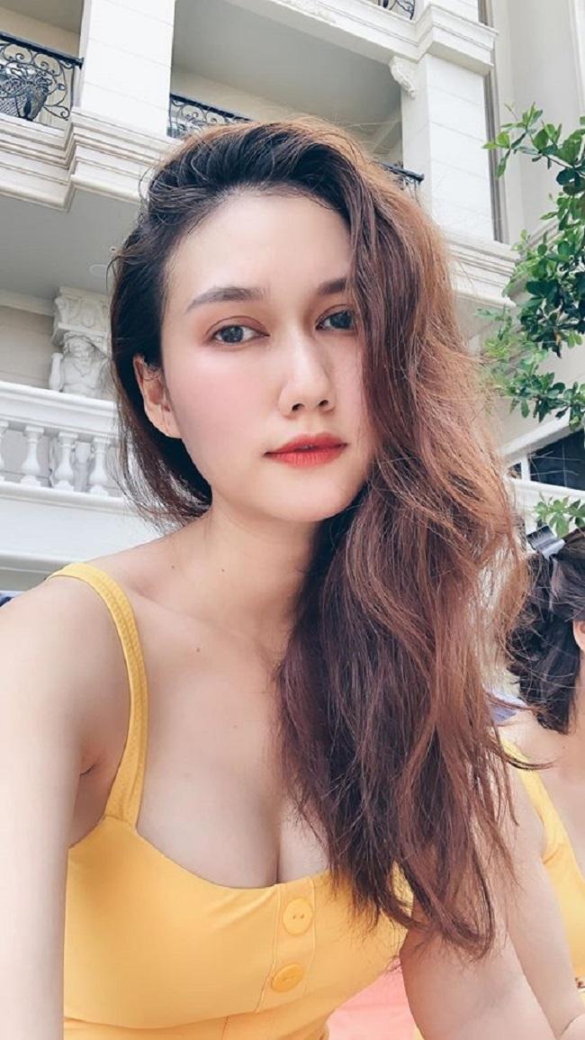 Quá giống Maria Ozawa, hot girl lai Tây bị gạ gẫm khiếm nhã