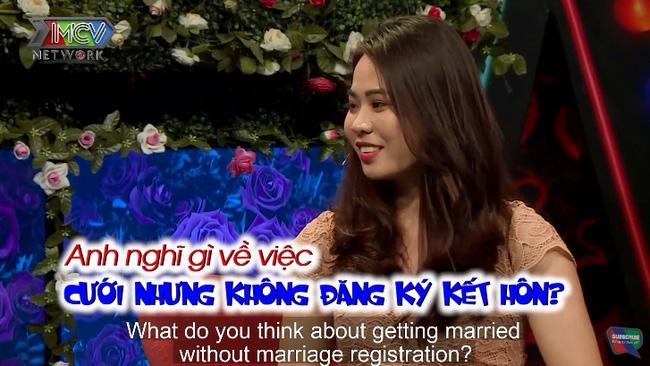 """Bạn muốn hẹn hò: Hot girl muốn cưới nhưng không đăng ký kết hôn và lý do """"lạ"""" phía sau đó"""