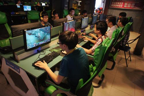 Chuyện lạ: Sửa cáp quang, chơi DOTA 2 lại ngon tại Việt Nam