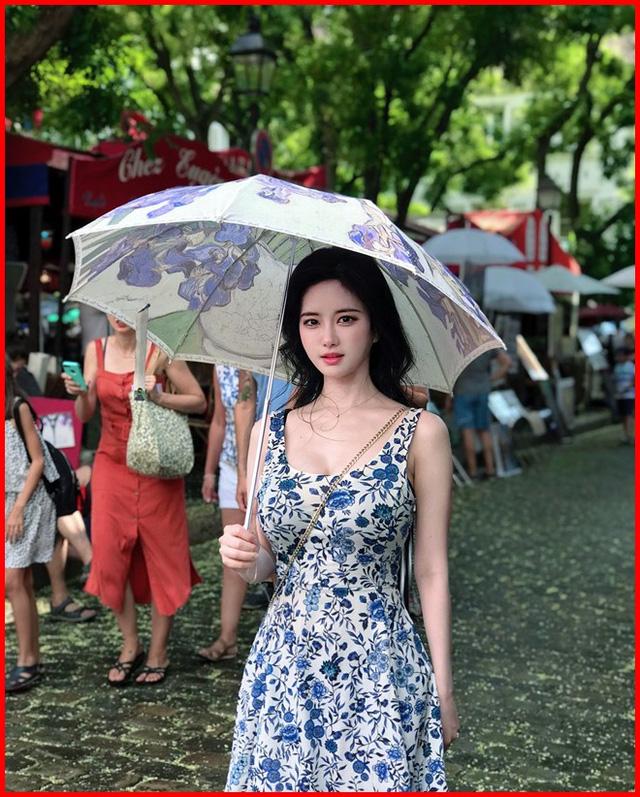 """Loạt nữ sinh Hàn sở hữu vòng 1 """"trời ban"""", thu hút mọi ánh nhìn nơi công cộng"""