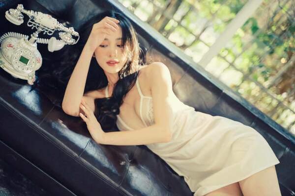 """""""Minh tinh quyến rũ nhất Việt Nam"""" liên tục thay đổi phong cách thời trang khiến fan phát sốt"""