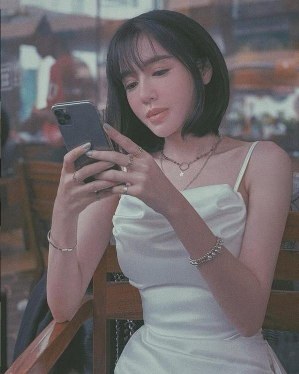 Sỡ hữu thân hình gợi cảm, Elly Trần vẫn thừa nhận nhan sắc đi xuống sau sinh