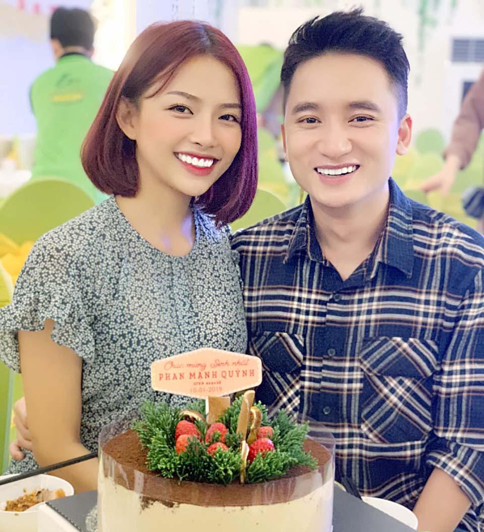 Hot girl xinh đẹp sắp cưới nhạc sĩ Phan Mạnh Quỳnh là ai?