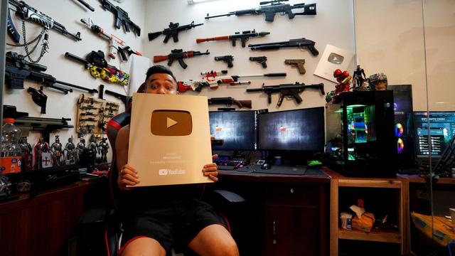 Độ Mixi hào hứng khoe 'chiến tích' nút vàng Youtube, dấu mốc lịch sử của streamer này