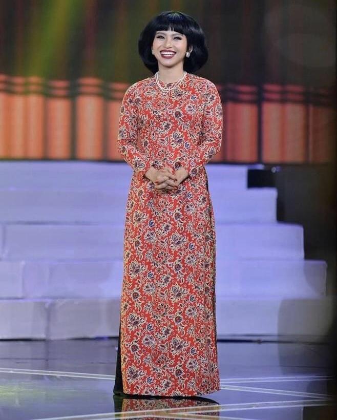 """""""Hot girl làng hài"""" Ngọc Phước đăng quang Quán quân """"Cười Xuyên Việt 2020"""""""
