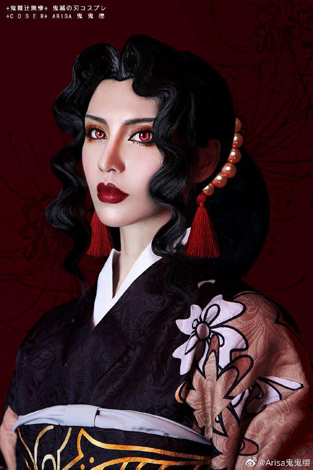 """Mãn nhãn khi ngắm loạt ảnh cosplay """"chị đẹp"""" Kibutsuji Muzan trong Kimetsu no Yaiba"""