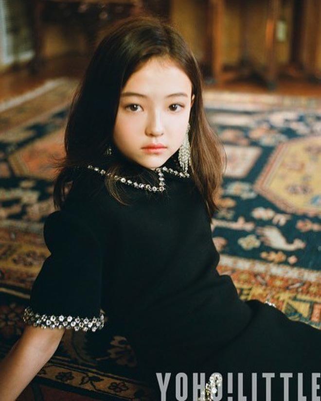 """Người mẫu lai Mỹ – Hàn – Đức được ca ngợi """"bé gái xinh nhất thế giới"""" là ai?"""