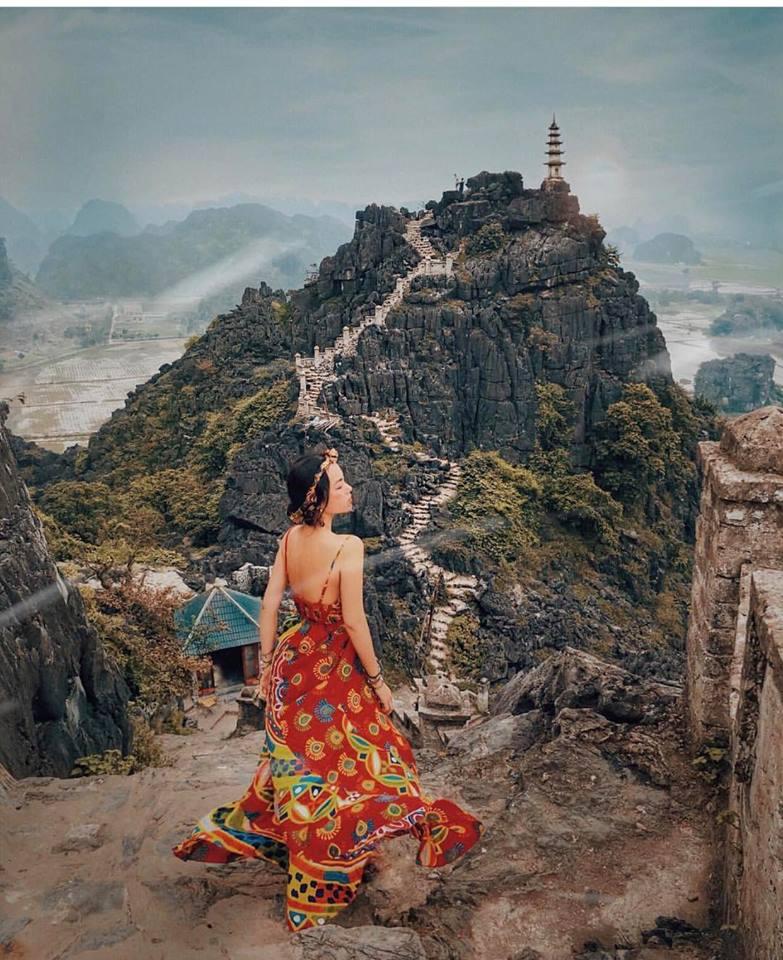 Người mẫu Hà Trúc: Cô gái truyền cảm hứng mặc maxi khi du lịch