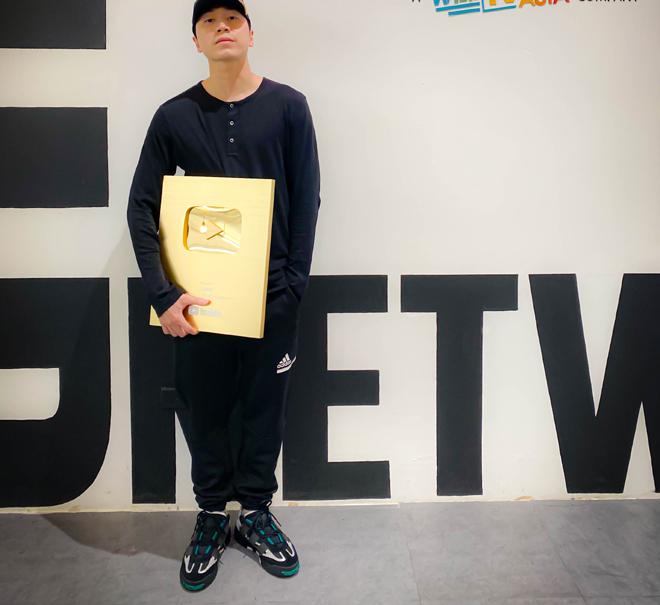 HLV Rap Việt vừa nhận nút vàng YouTube là ai?