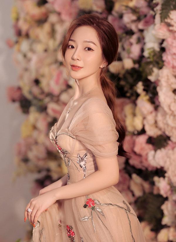 Hot girl Phạm Phương Thảo cùng gu thời trang cực ấn tượng