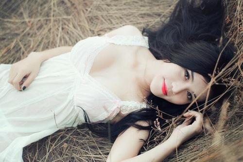 Jery Trinh – cô người mẫu ảnh 9x có nét đẹp tự nhiên