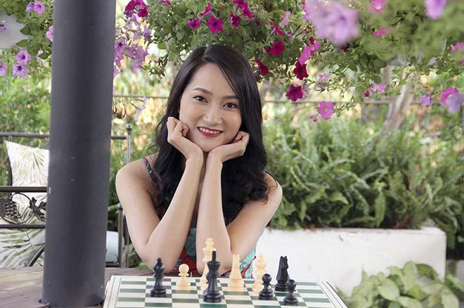 Khó tin cờ vua: Hot-girl Kim Phụng thua đối thủ kém 169.070 bậc
