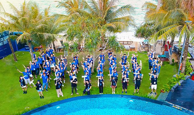Nam Blue cùng hàng trăm Hot Streamer xuất hiện tại Sunset Beach Resort & Spa Phú Quốc
