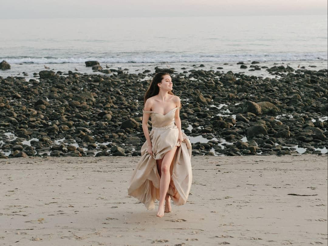 """Người mẫu Mexico ấn tượng trong ảnh thời trang """"tiên nữ bên hồ"""""""