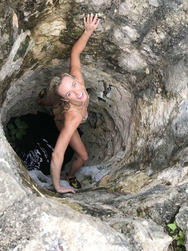 Người đẹp quyến rũ nhất thể thao: Bouchard khoe bikini, hot girl leo núi quá nóng bỏng