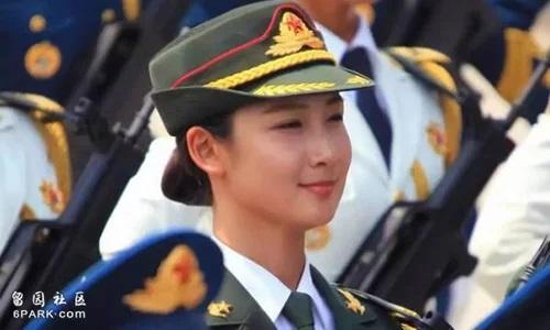 Người mẫu nội y trở thành nữ quân nhân Trung Quốc