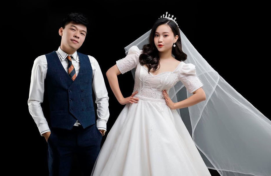 Nhan sắc vợ tương lai xinh đẹp như hot girl chụp ảnh cưới với Trung Ruồi