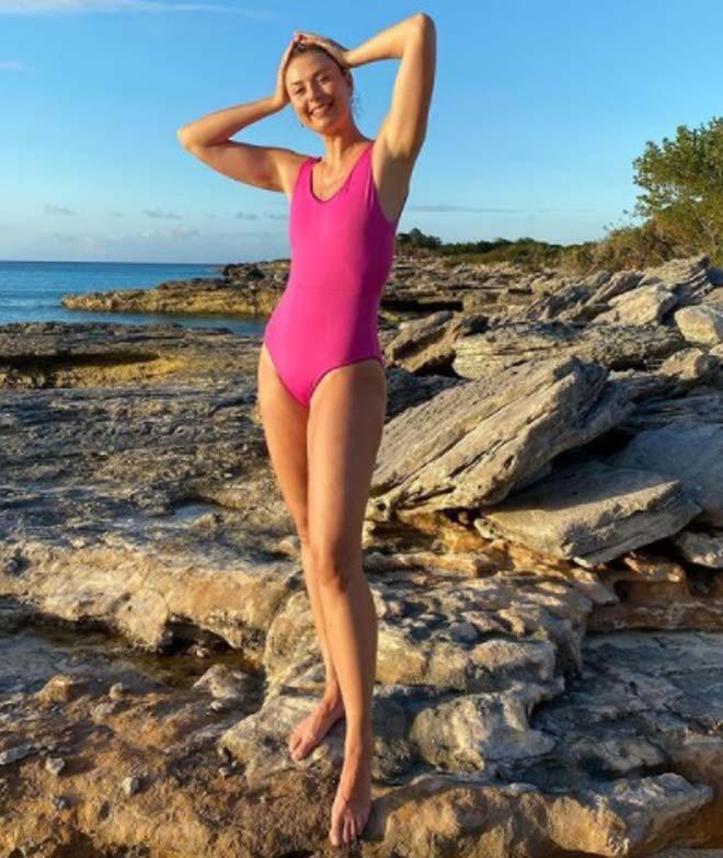 Sharapova khoe bikini hồng, hot girl nhảy sào tung ảnh gợi cảm