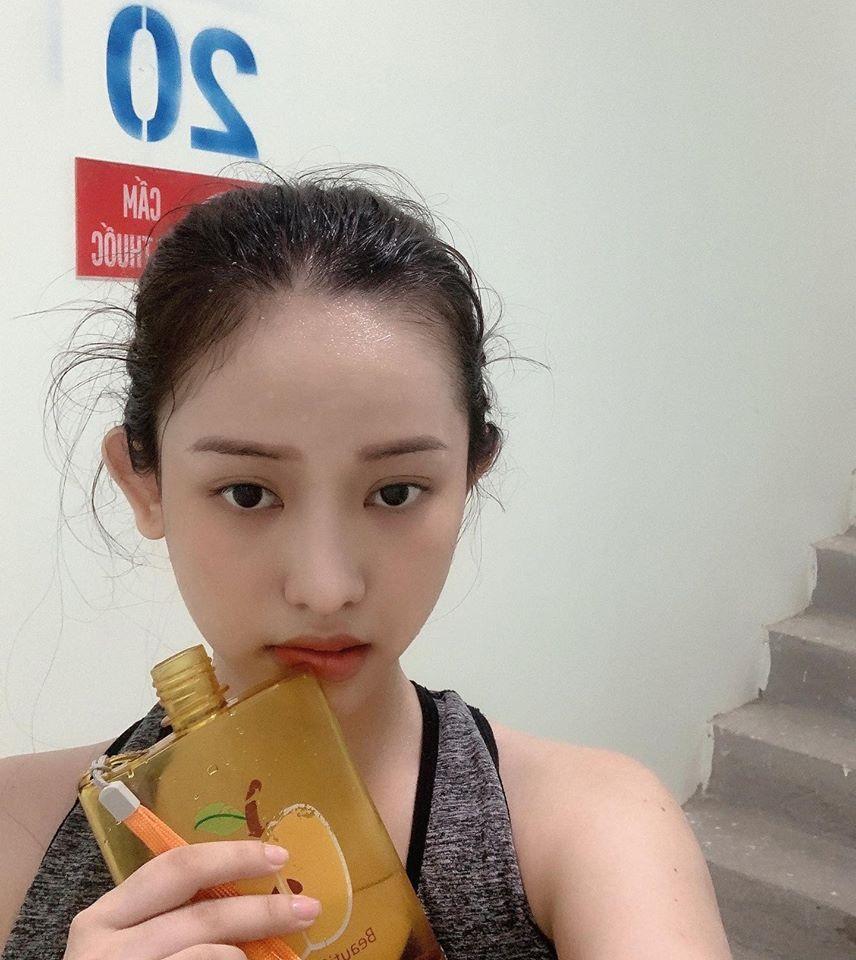 Hot girl Cà Mau Thúy Vi leo thang 40 tầng để giảm cân trong mùa dịch