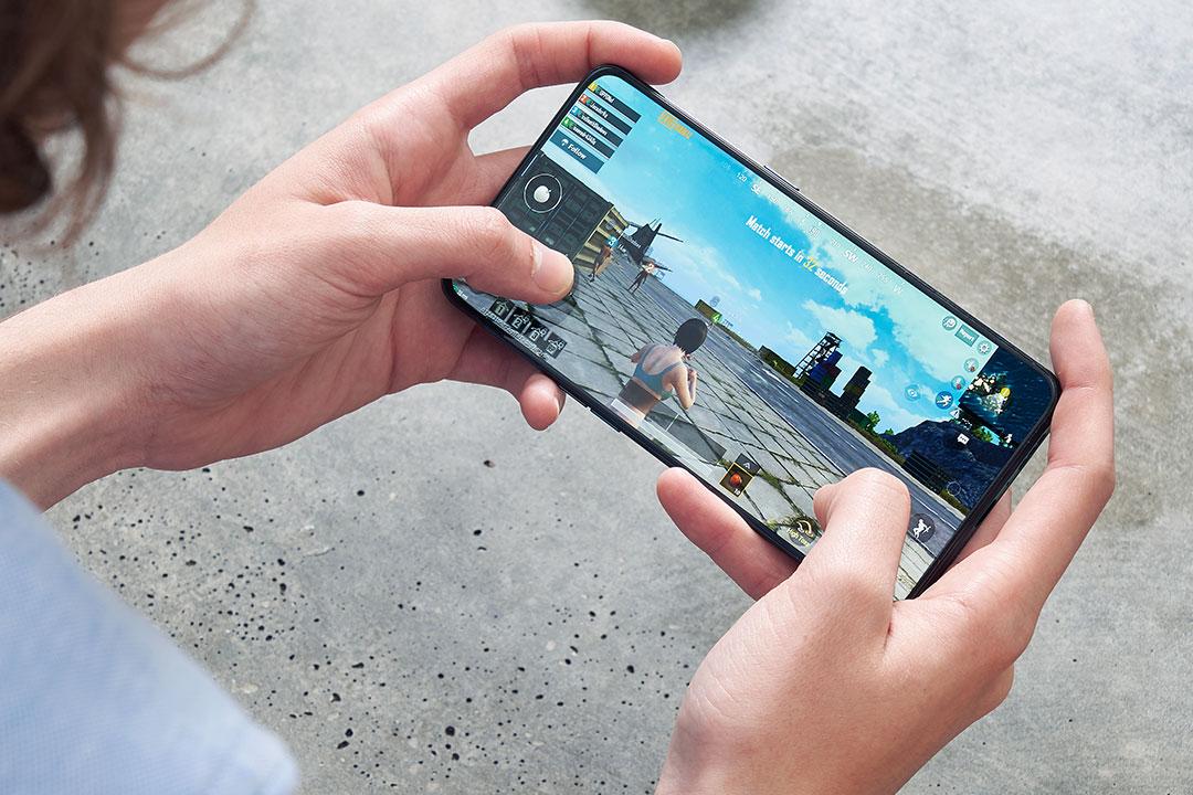 """Top smartphone tầm trung """"chiến"""" game cực ngon bạn khó có thể bỏ qua"""