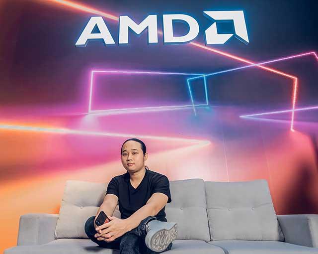 """Streamer chơi Contra và màn donate khủng của """"thần rừng"""" Việt Nam"""