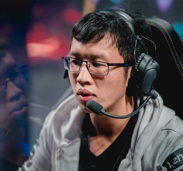 Warzone: 'Game thủ LMHT Việt Nam không thua khu vực nào'