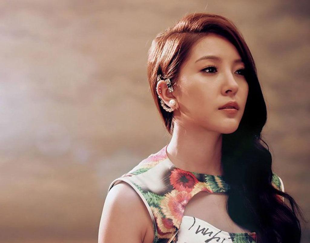 SM Entertainment lên tiếng về cáo buộc 'nữ hoàng Kpop' BoA buôn lậu thuốc