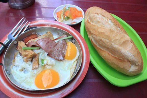 Top 20 Tiệm bánh mì ngon có tiếng ở TP. Hồ Chí Minh