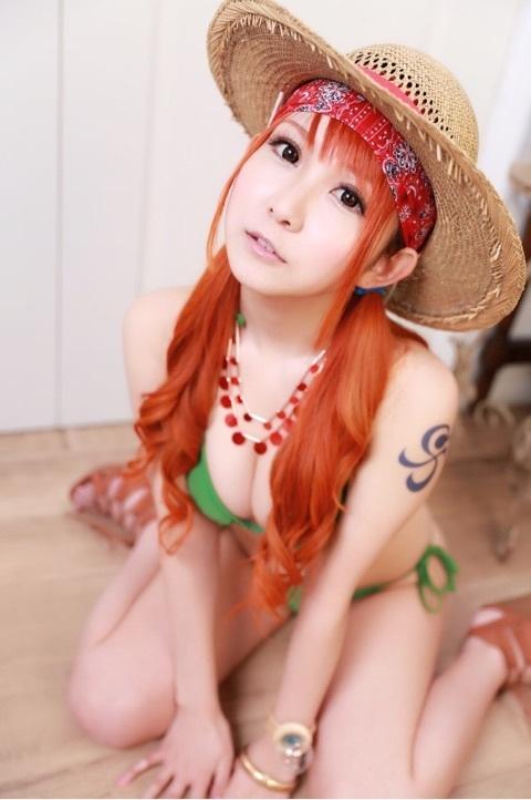 Bỏng mắt với bộ ảnh cosplay Nami của kiều nữ Nhật Bản