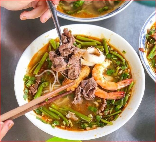 Top 11 Hàng bún Thái chua cay ngon khó cưỡng ở Sài Gòn