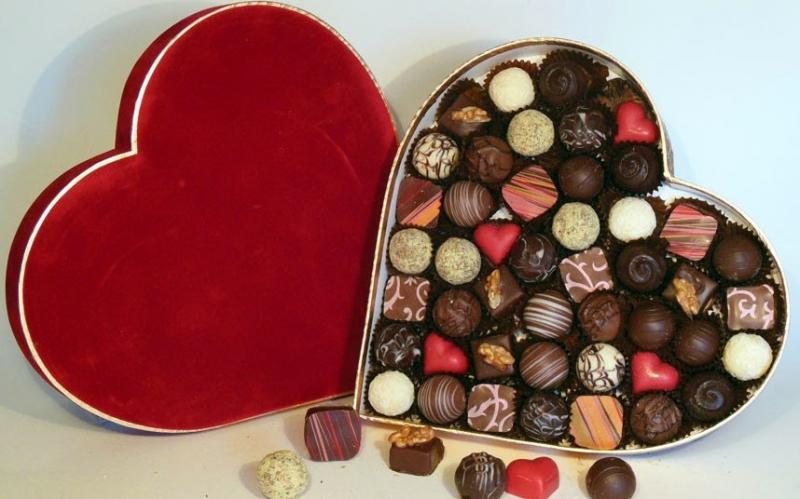 Top 12 Món quà thực tế tặng bạn nam vào ngày Valentine