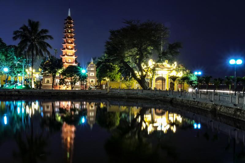 Top 9 Ngôi chùa, đền cầu công danh tài lộc nổi tiếng nhất ở Hà Nội