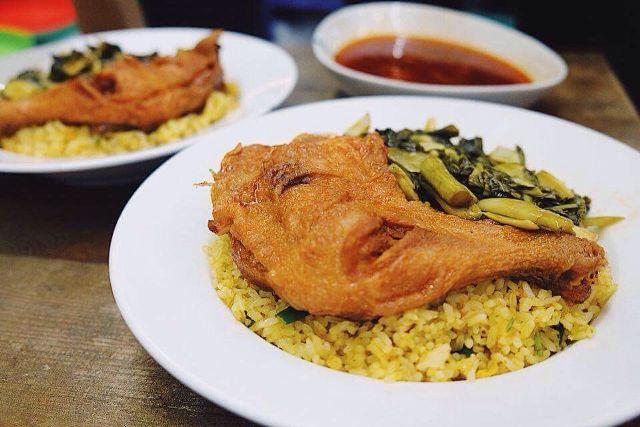 Top 14 Cơm gà xối mỡ ngon nhất tại Sài Gòn