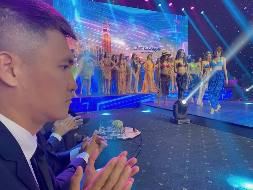 Thủy Tiên tiết lộ phản ứng bất ngờ của Công Vinh trước dàn người mẫu sexy